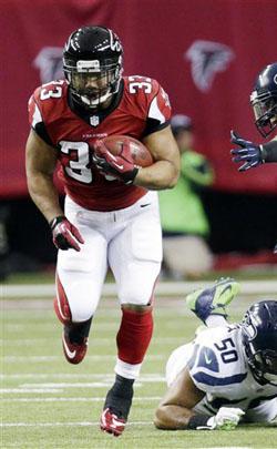 Le retour en forme de Michael Turner et du jeu au sol ont été décisifs pour Atlanta.