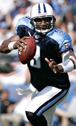 Co-MVP en 2003, Steve McNair est la grande figure de l'arrivée de Titans dans le Tennessee.
