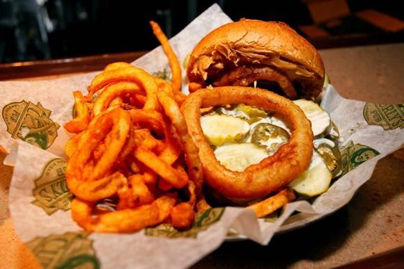 Aaron-Rodgers-burger-001