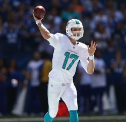 Les nouveaux uniformes des Dolphins semblent bien réussir a Ryan Tannehill