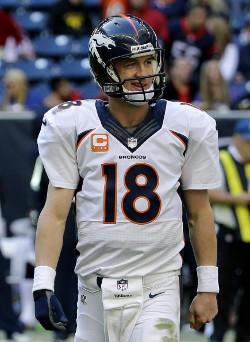 Peyton Manning peut avoir le sourire: il va aborder les playoffs à Denver, 2000 mètres d'altitudes. jamais évident pour es adversaires...