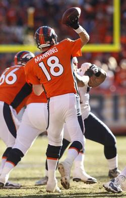 Peyton Manning a tranquillement découpé la défense de New England.