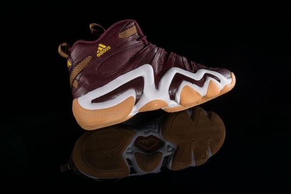 robert-griffin-iii-rg3-washington-redskins-adidas-crazy-8-fan-hook-up-04-700x467