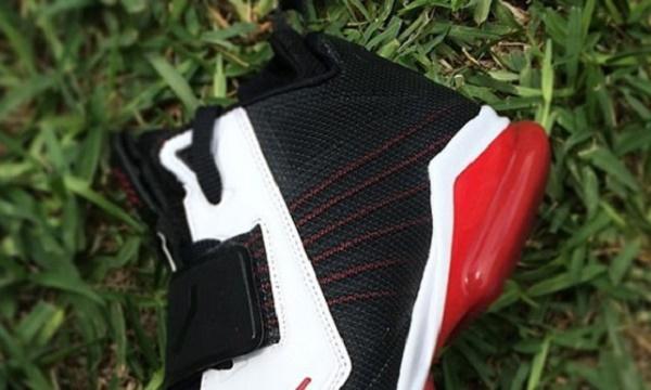 NikeCJ_160614