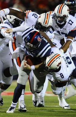 Bo Wallace a été sous pression face à la défense d'Auburn.