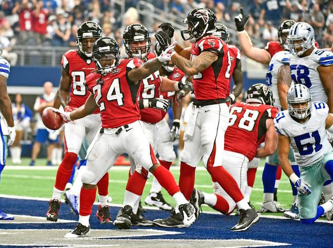 devonta-freeman-atl-vs-dal-28-09-2015