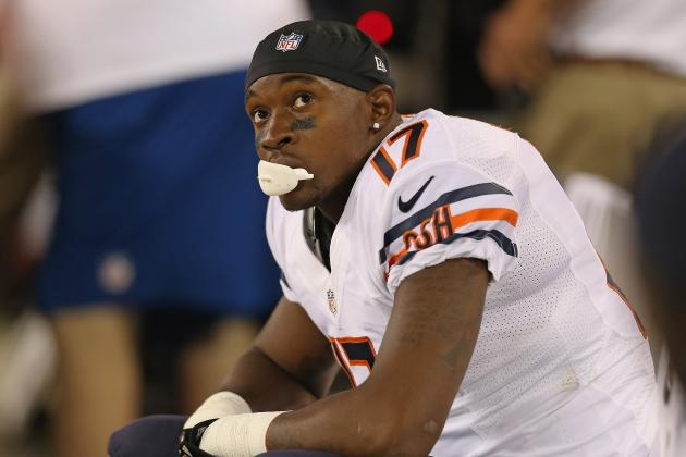hi-res-152308007-alshon-jeffery-of-the-chicago-bears-sits-on-the-bench_crop_north