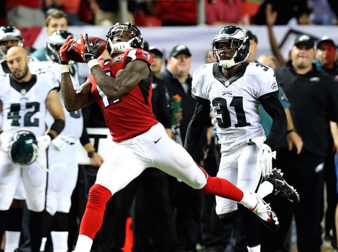 julio-jones-byron-maxwell-26-09-2015
