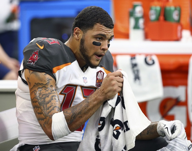 Sep 27, 2015; Houston, TX, USA; Tampa Bay Buccaneers wide receiver Mike Evans (13) against the Houston Texans at NRG Stadium. Mandatory Credit: Kevin Jairaj-USA TODAY Sports