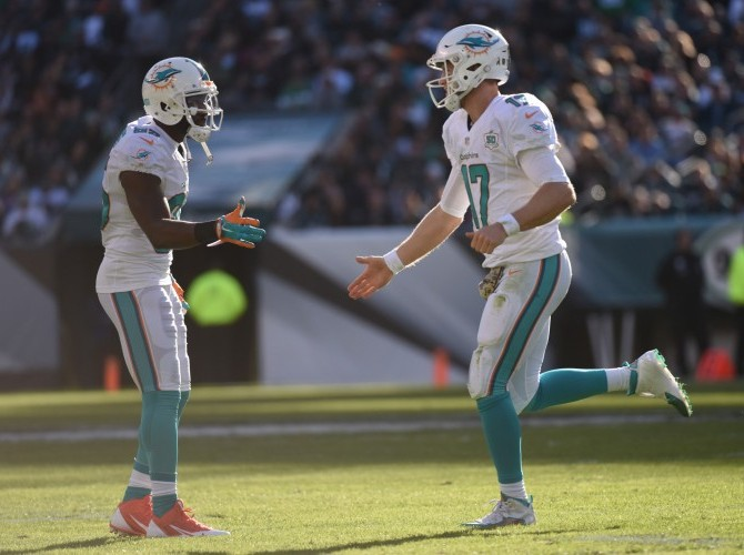 greg_jennings_ryan_tannehill_18022016