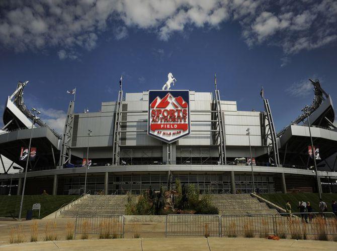 Sports_Authority_Field_Denver_Broncos_Stadium_02032016