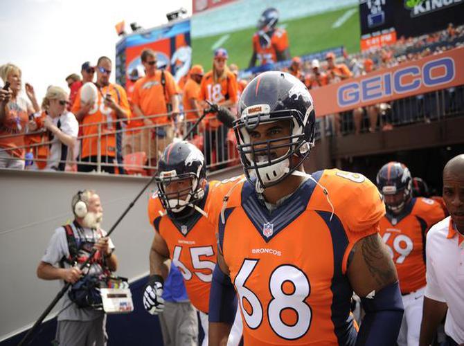 Ryan_Harris_Denver_Broncos_16032016