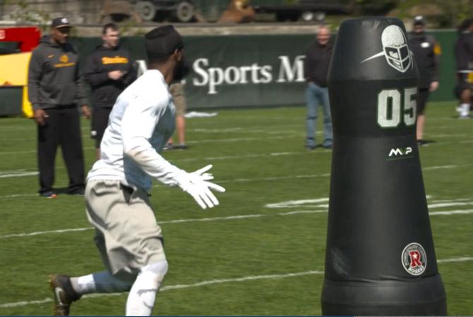Steelers-robots-200516