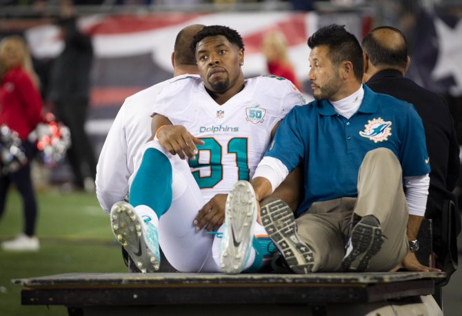 cameron-wake-dolphins_220516