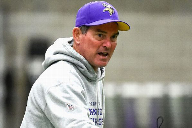 mike-zimmer-vikings-entrainement-220816