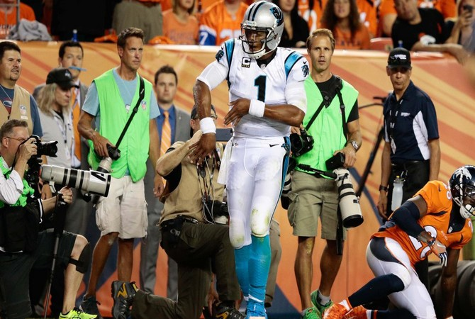USP NFL: CAROLINA PANTHERS AT DENVER BRONCOS S FBN USA CO