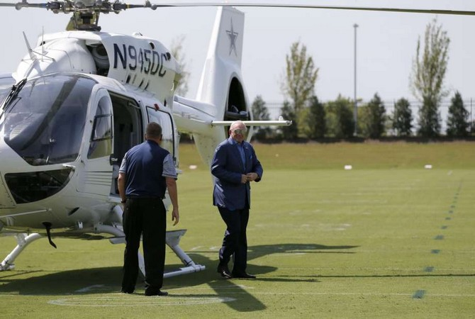 jerry-jones-cowboys-helicopter-090916