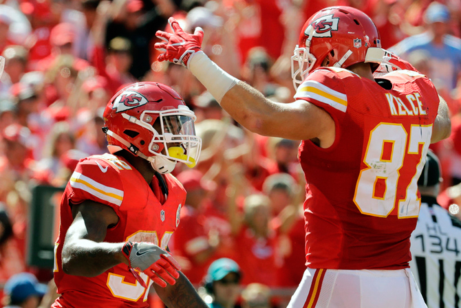 travis-kelce-spencer-ware110916