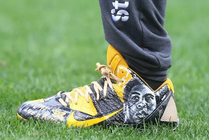 antonio-brown-steelers-shoes-10102016