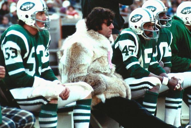 joe-namath-fur-coat-white-shoes-copie