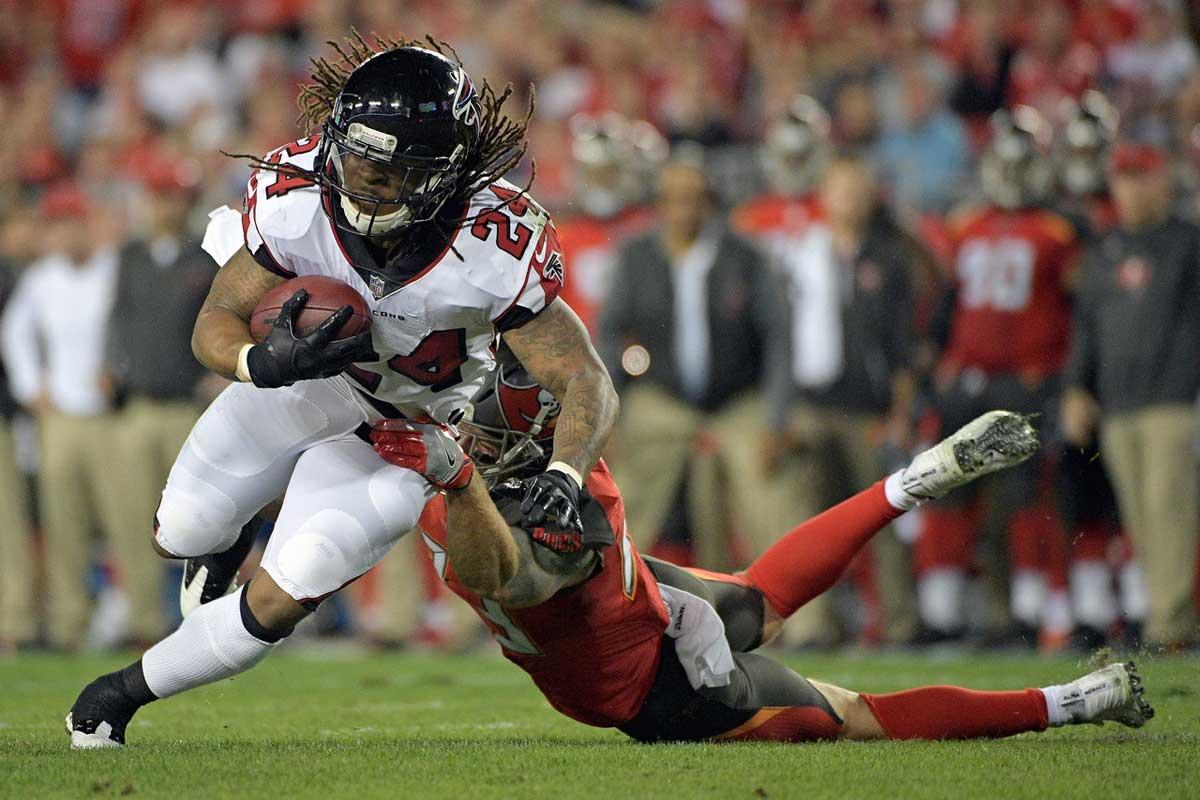 Les Falcons sont toujours dans la course